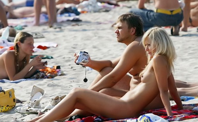 Pretty girls naked at the beach
